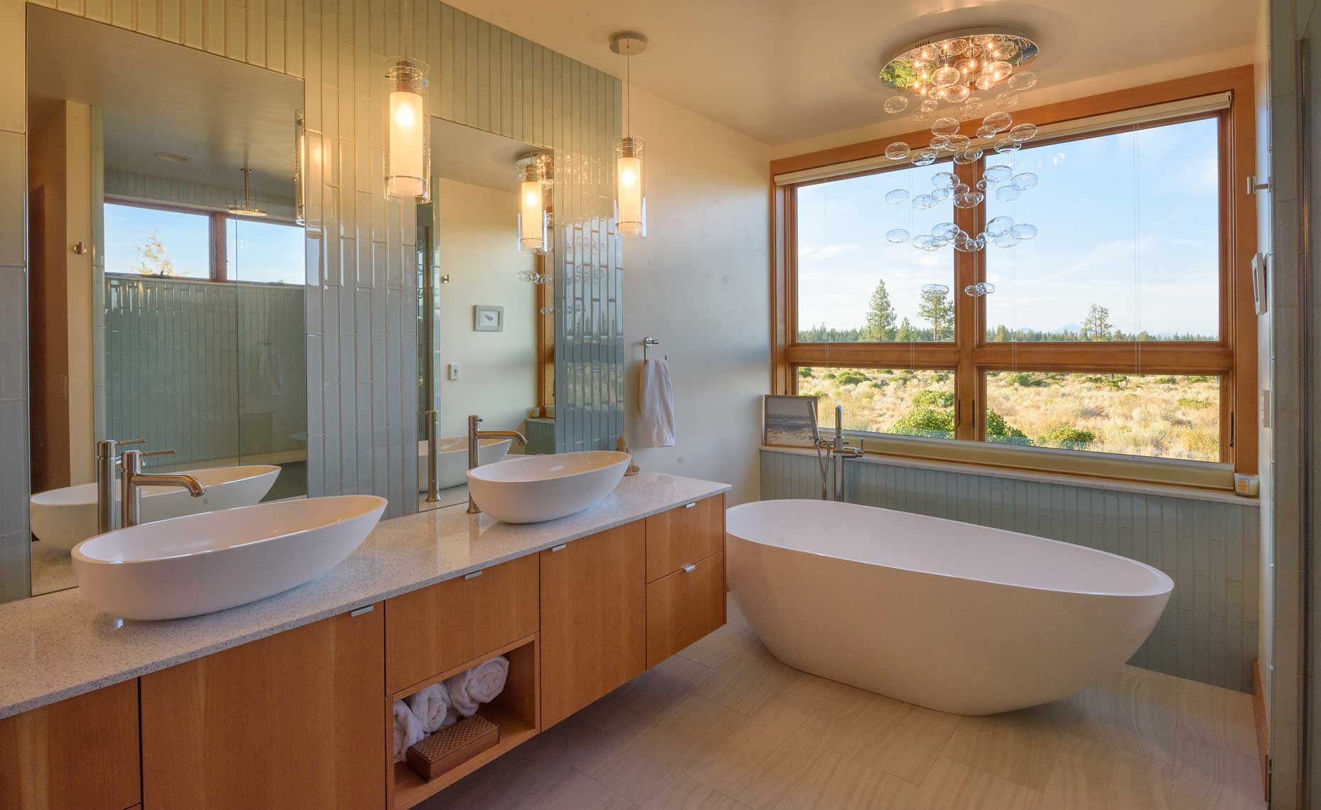 Modern Bathroom oval tub
