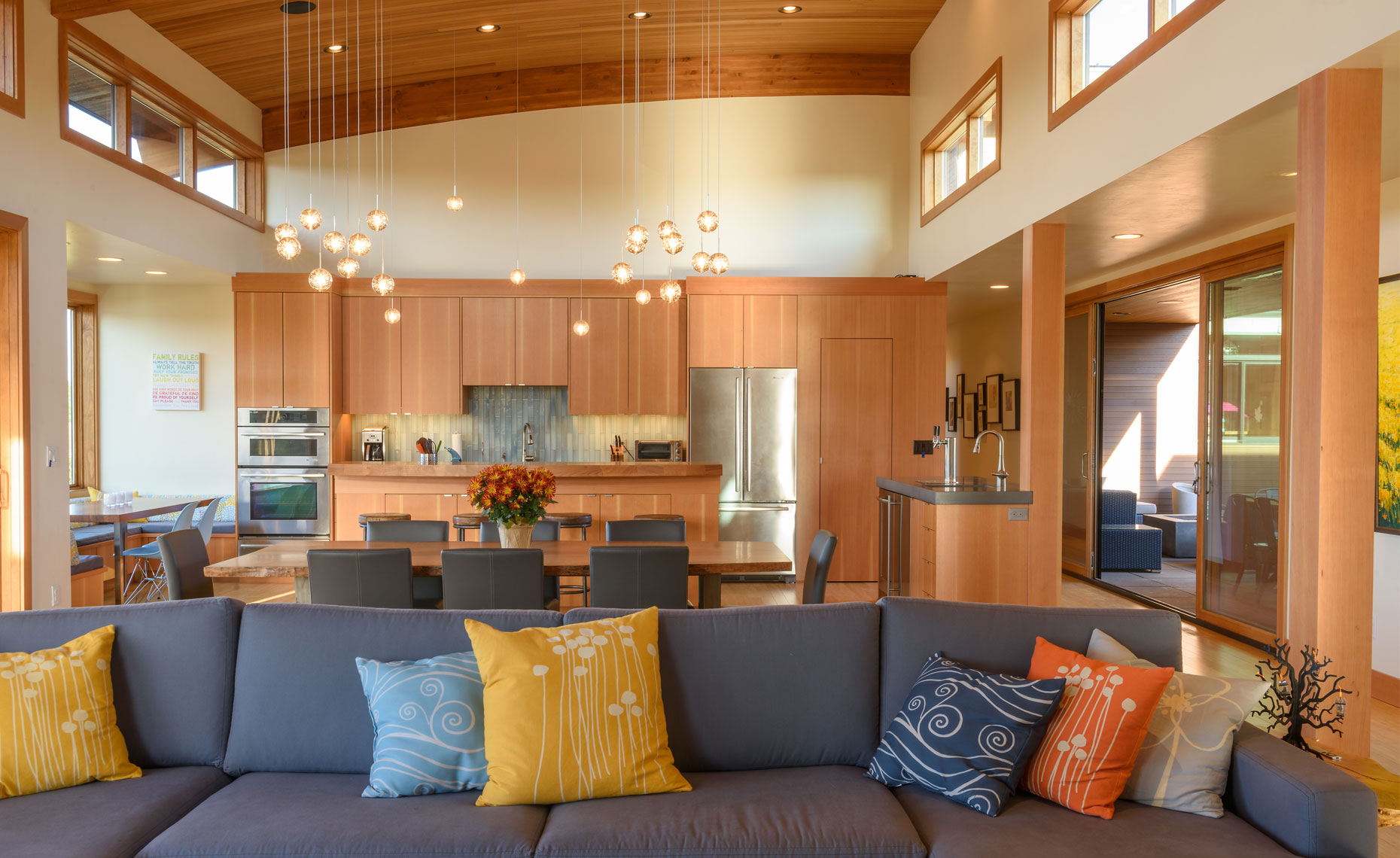 Shevlin-Commons-Modern-Great-Room-Dining-Room