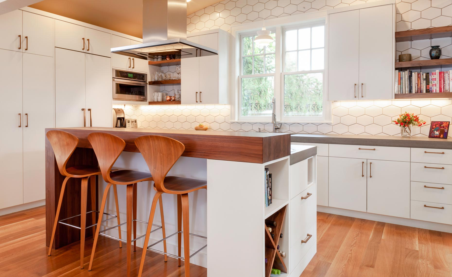 modern-white-and-walnut-kitchen