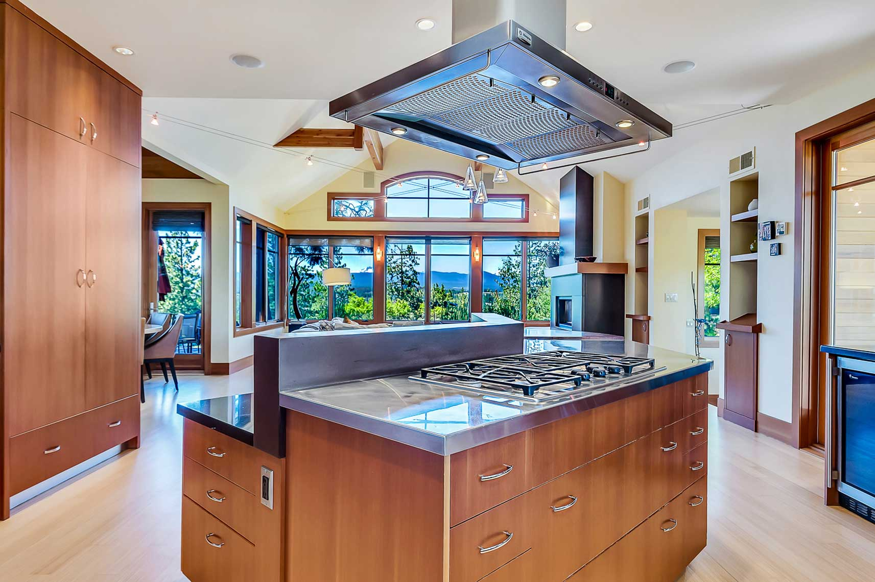 mountain-modern-kitchen-island